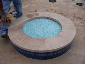 outdoor gas fire pit with glassfire