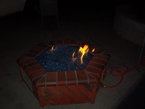 gas fire pit using fireglass