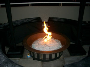 outdoor fire bowl with fire glass rocks